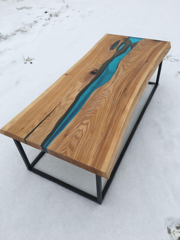 Заливной стол из эпоксидной смолы в Екатеринбурге - столярная мастерская Treelogia