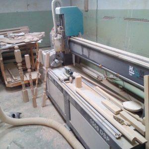 ЧПУ станок в столярной мастерской