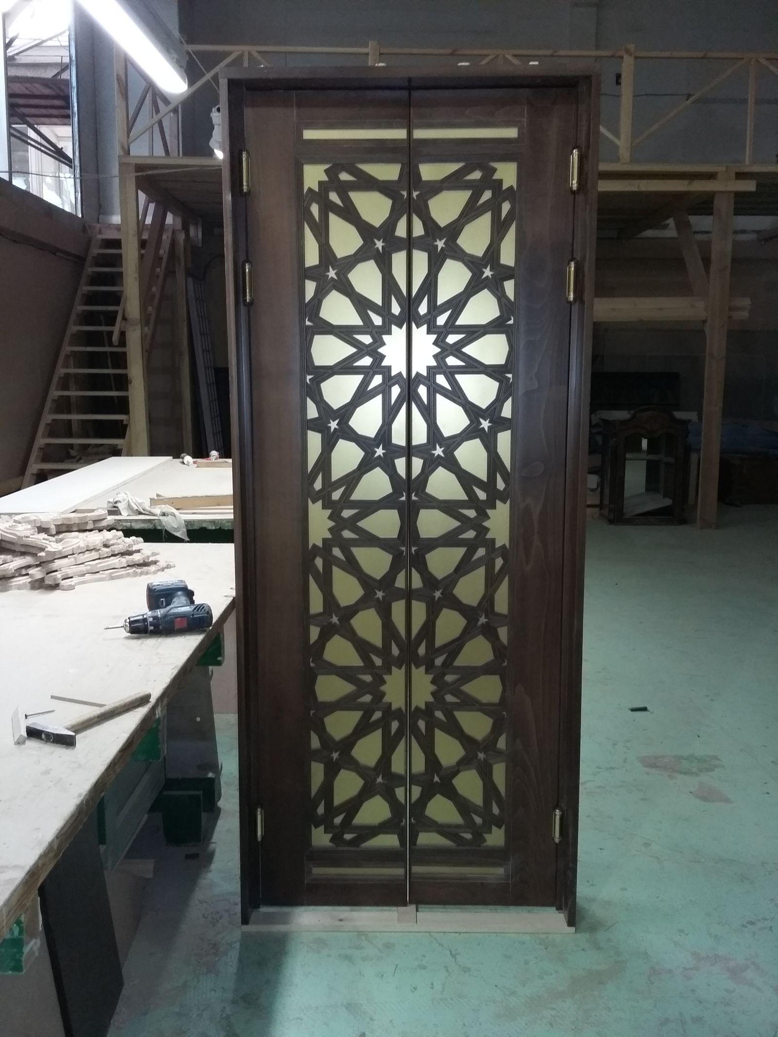 Изготовление дверей в столярной мастерской