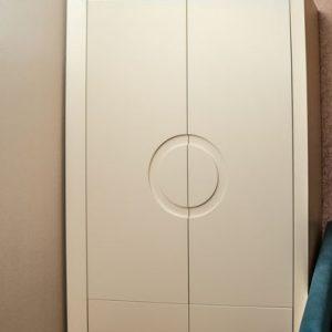 Шкаф для одежды на заказ- столярная мастерская Treelogia