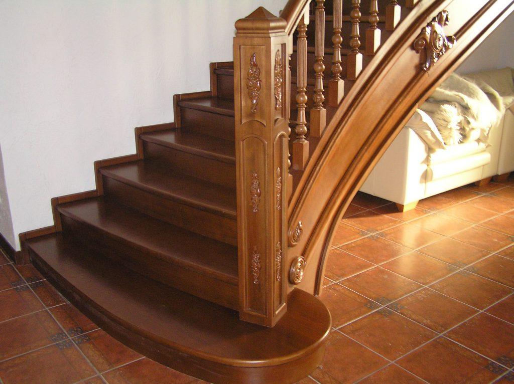 Изготовление деревянных лестниц в Екатеринбурге - столярная мастерская Treelogia
