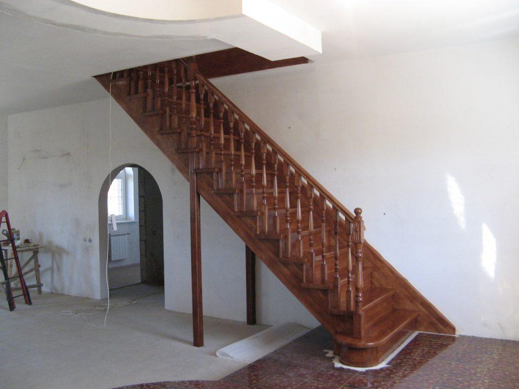 Производство деревянных лестниц в Екатеринбурге - столярная мастерская Treelogia