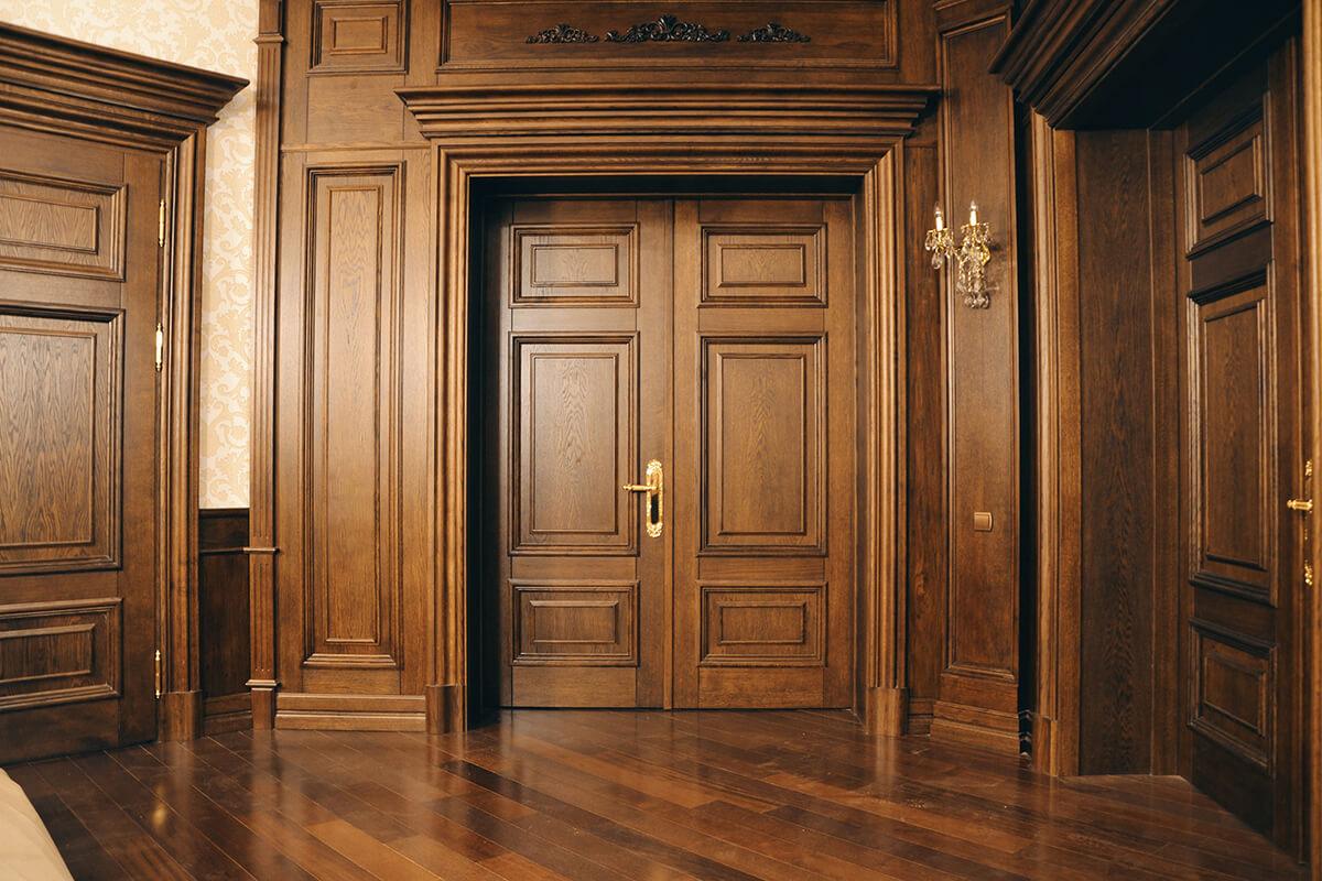 Изготовление деревянных дверей на заказ - столярная мастерская Treelogia
