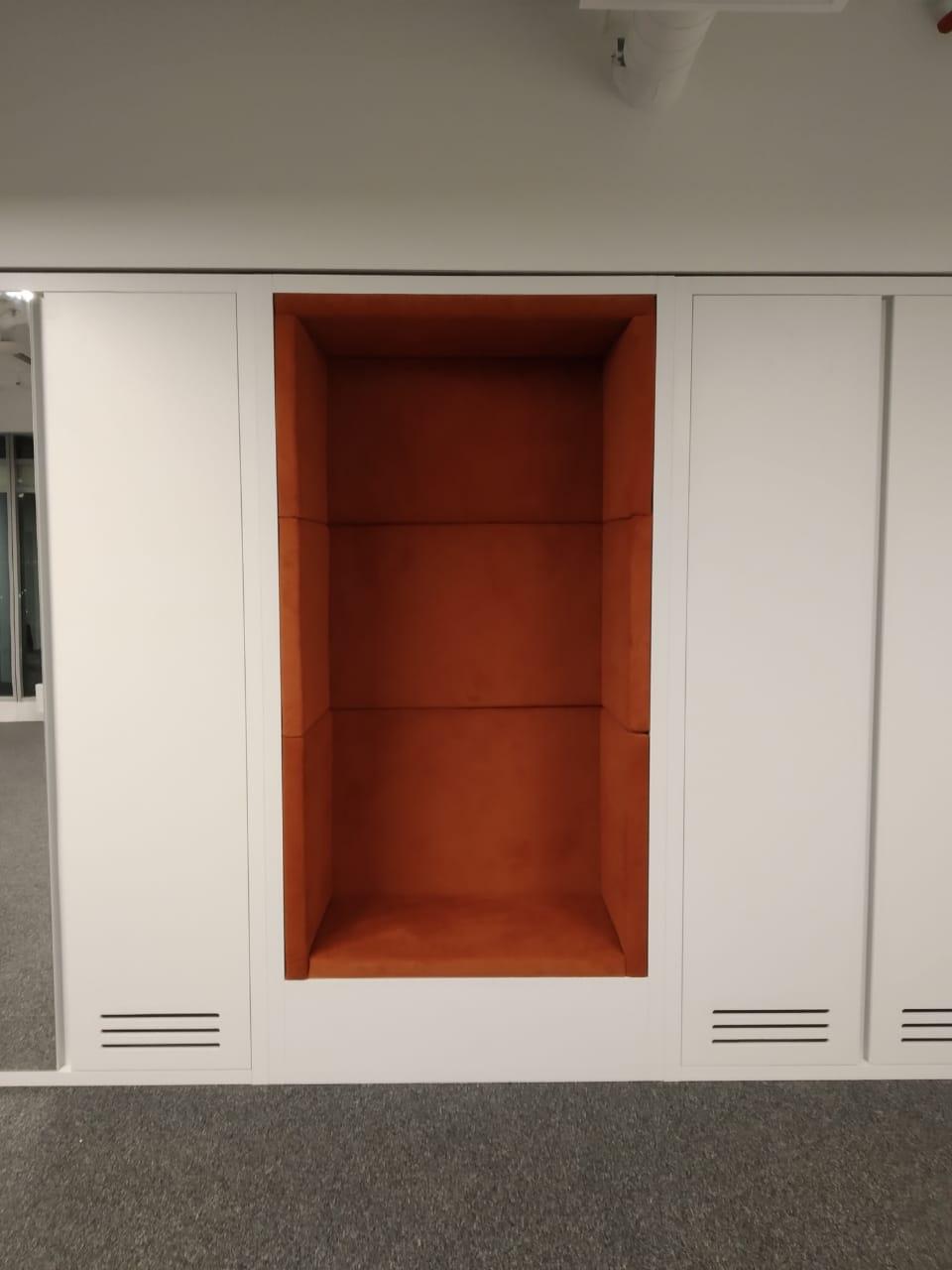 Встроенный шкаф с рабочей зоной