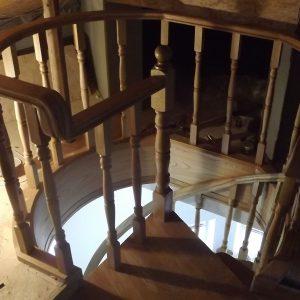 Изготовление винтовых лестниц на второй этаж