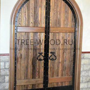 двери из дуба в ресторан